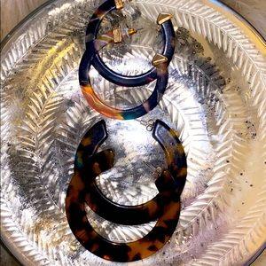 Two pair of tortoise hoops